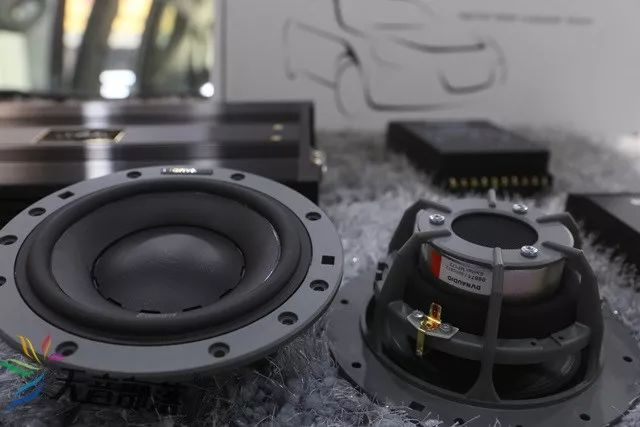 丹拿三分频372套装音响 功放:雷贝琴es100发烧音响功放 播放器:歌航